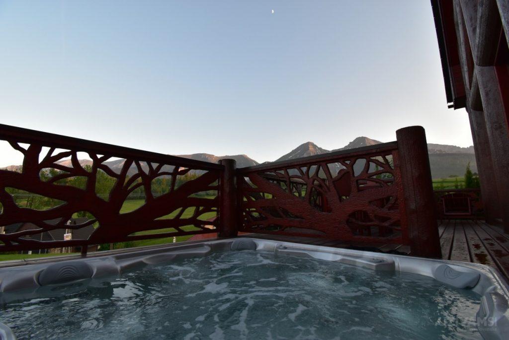 Mountain Resort Chalets - vírivka na terase