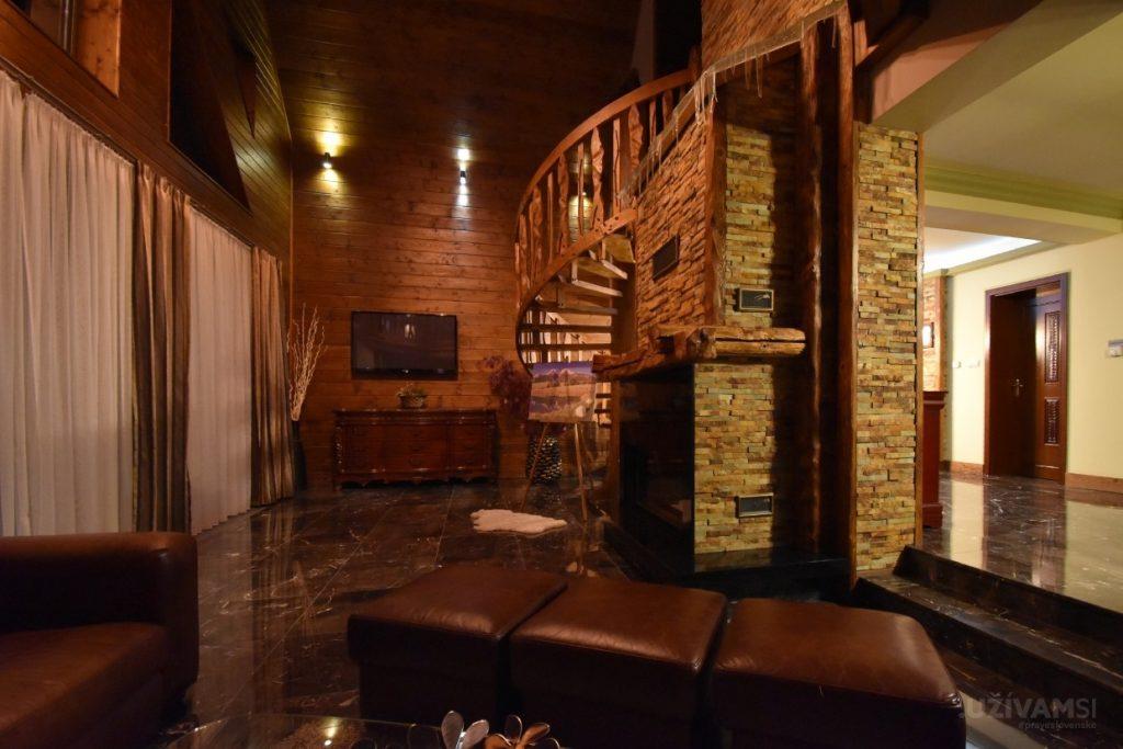 Mountain Resort Chalets - obývačka