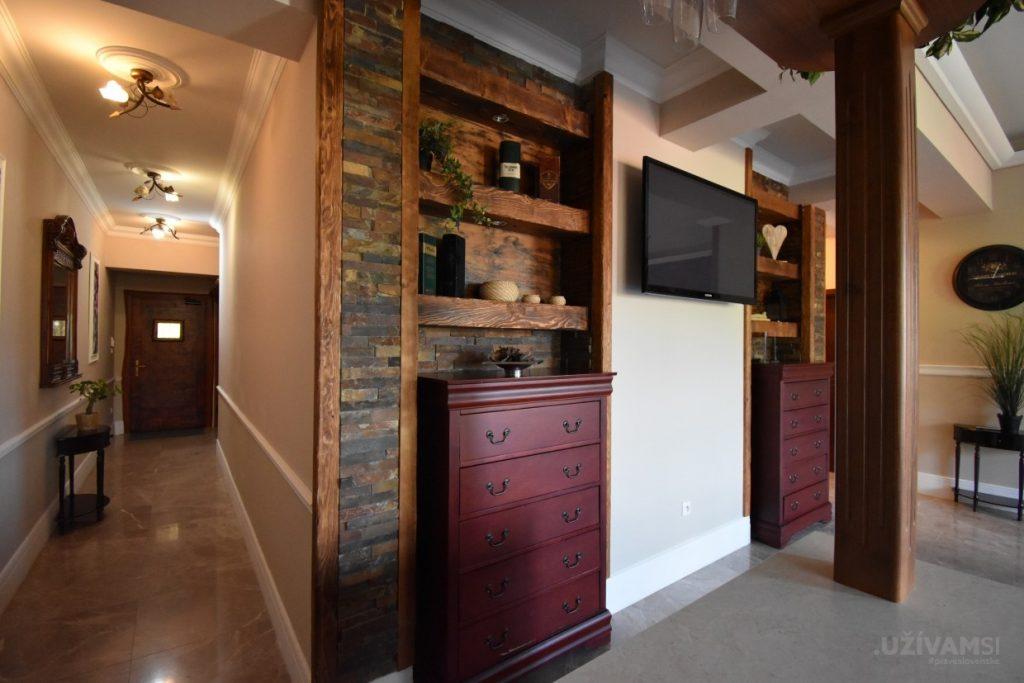 Mountain Resort Apartments - obývačka
