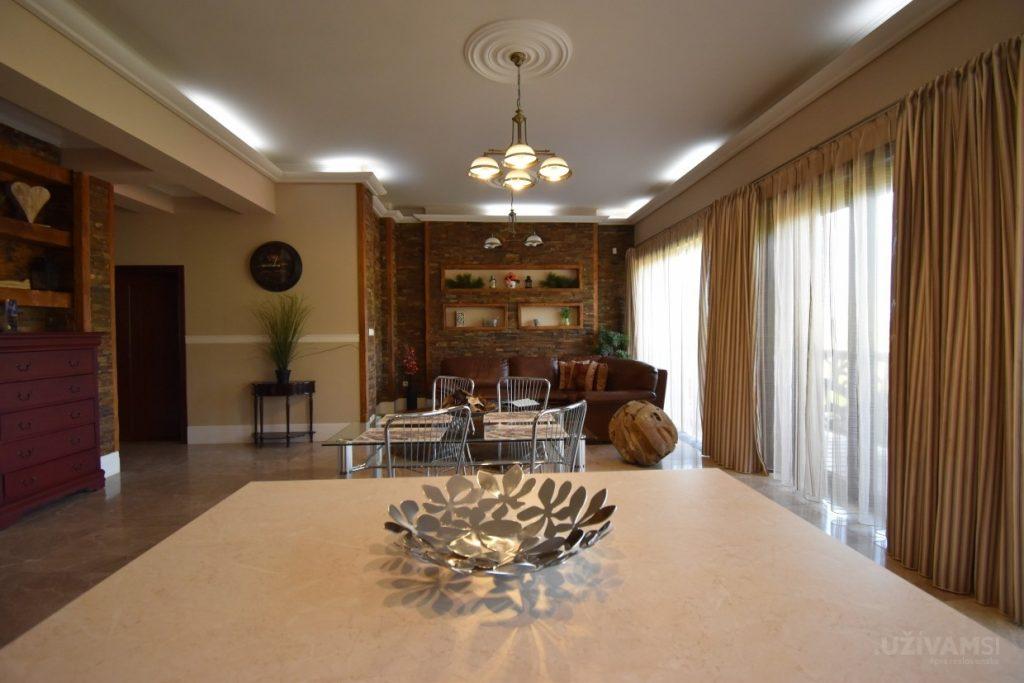 Mountain Resort Apartments - kuchyňa/obývačka