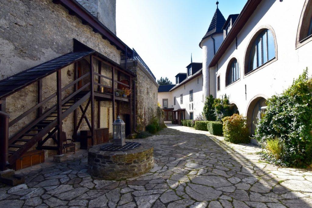 Kráľovský záver roka v Chateau GrandCastle ****